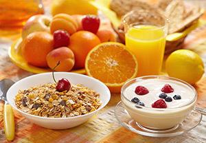 14.Madhubala- Ek Ishq Ek Junoon!(Madhubala-O singura iubire, o singura pasiune!) - Pagina 38 Fructe-cereale-mic-dejun