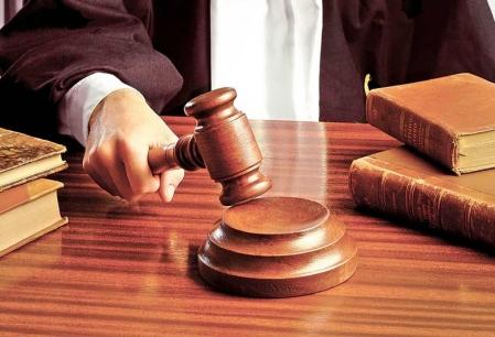 Curtea Constitutionala discuta miercuri sesizarile privind majorarile salariale din educatie si din sanatate si eliminarea celor 102 taxe