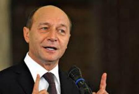 """Basescu: """"E clar ca serviciile secrete s-au implicat in campanie. Voi avea o discutie cu serviciile luni, dupa primul tur. Cativa oameni au sarit calul"""""""