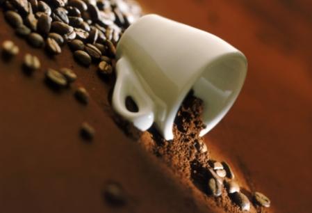 Cum sa renunti la cafea! Sfaturi pentru reducerea consumului de cofeina